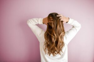 Jak panie mogą radzić sobie z łysieniem?